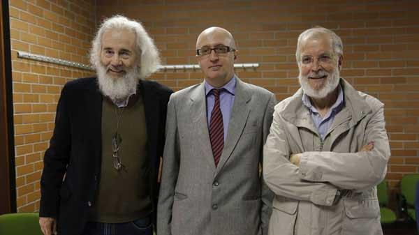 Con-Félix-Caballero,-autor-da-tese,-en-Pontevedra