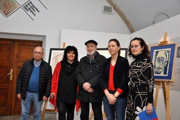 Doazón de tres retratos ao Museo Provincial de Lugo por Siro